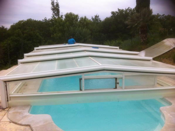 R paration toiture d un abri de piscine eureka erys services for Reparation abri piscine